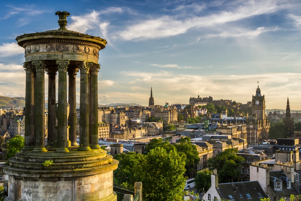Aussicht auf Edinburgh von Calton Hill
