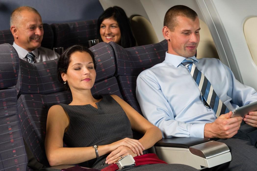 Elegant im Flugzeug